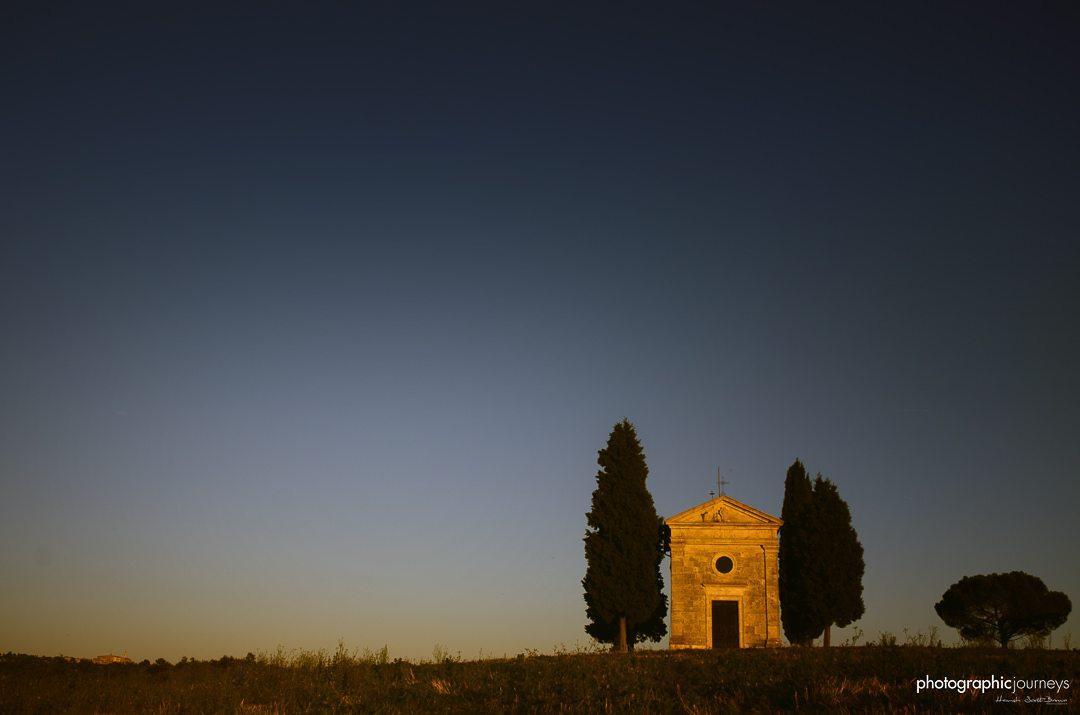 Church of Capella de Vitaleta, near Pienza, Tuscany, Italy, Europe © Hamish Scott-Brown