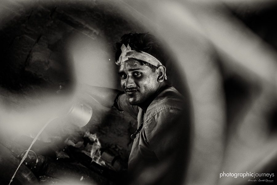 a hot factory worker in jaipur © Hamish Scott-Brown