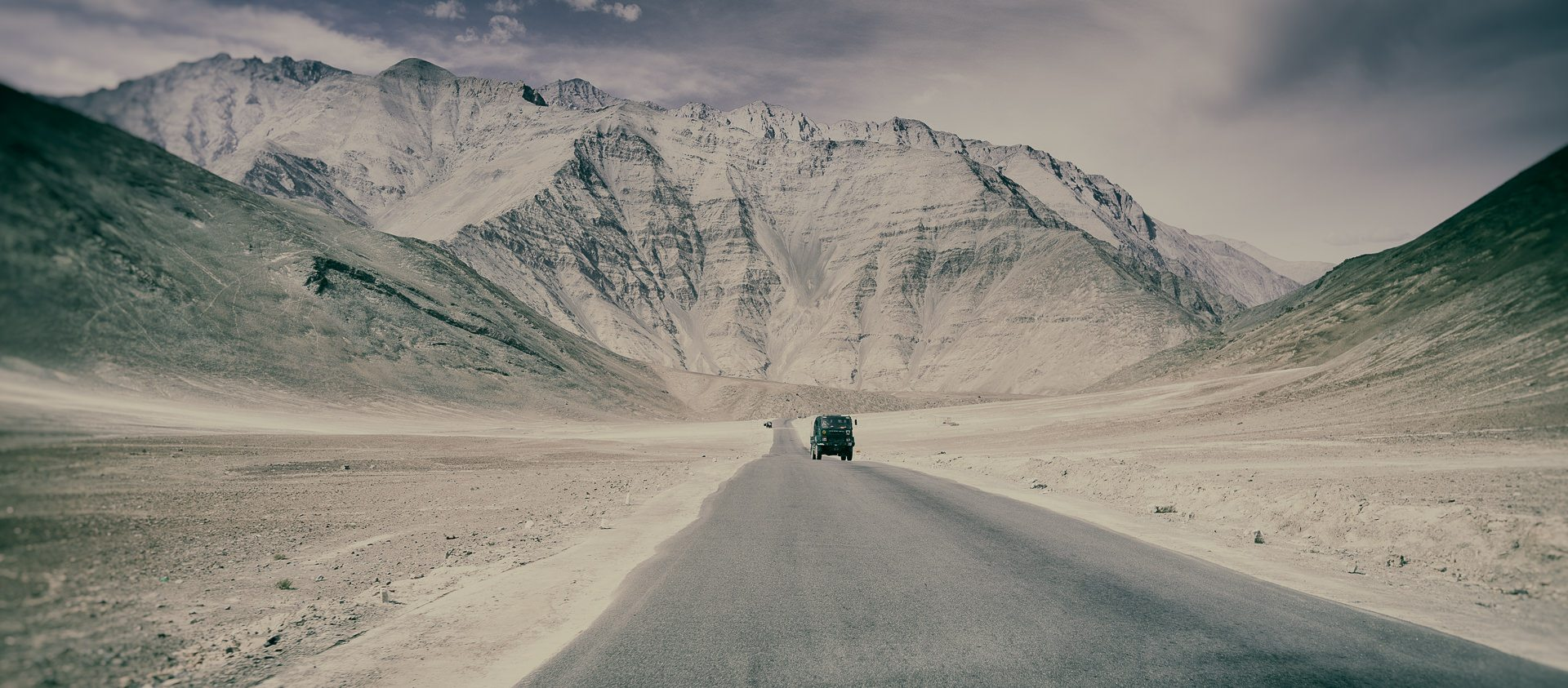 straight road in Ladakh ©Hamish Scott-Brown